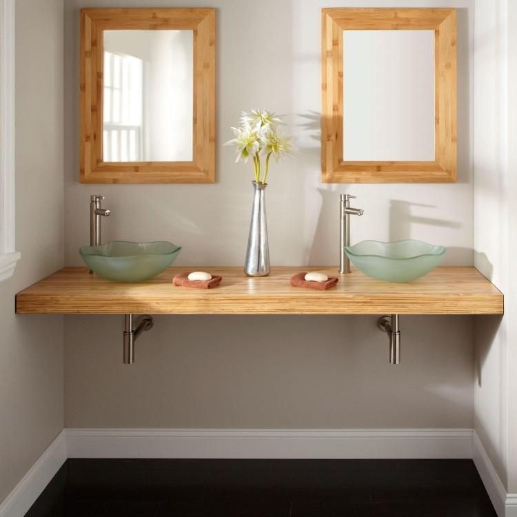 mueble de baño de bambú.