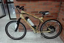 Bicicleta de bambú ciudad.