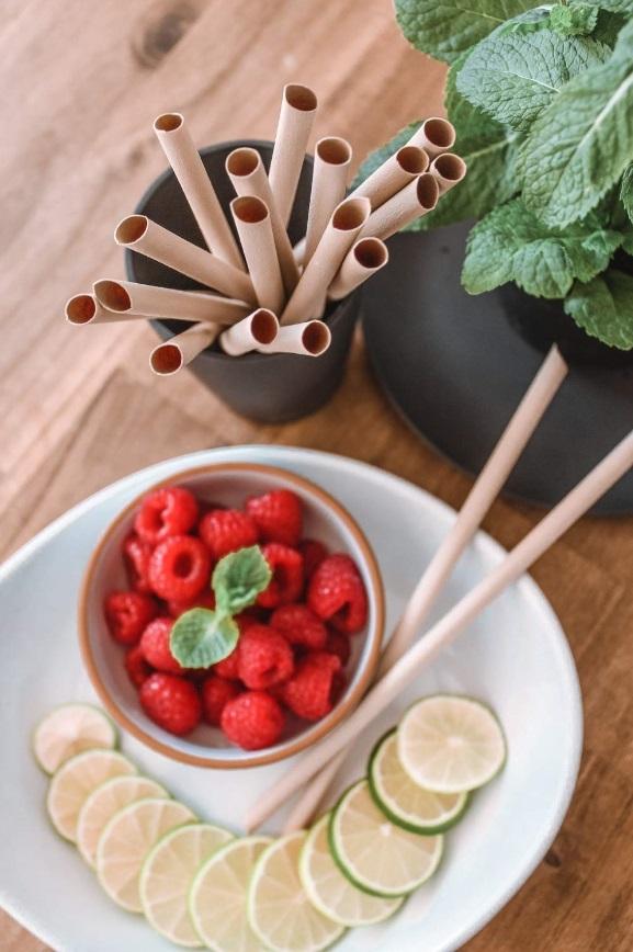 sorbete de bambú con frutos rojos.